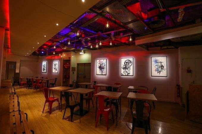 La Grande Surface - Galerie Festive : inclassable et fascinante