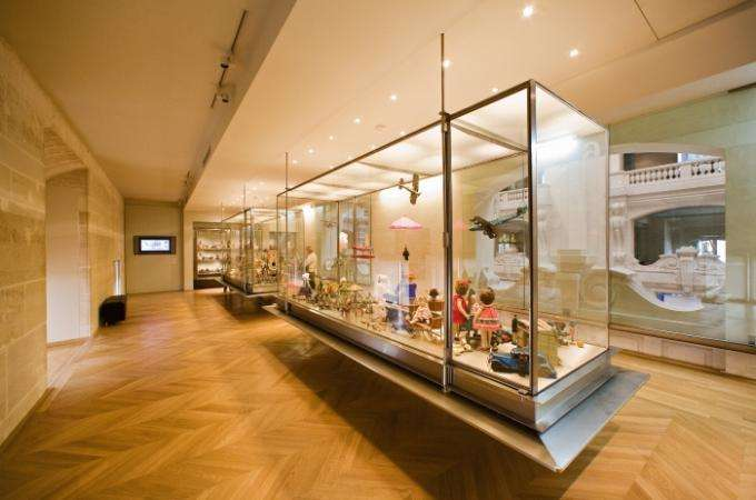 Musee Arts Decoratifs Paris , l'art enchante le réel