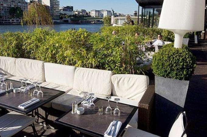 Savourer l'été à la Plage parisienne-Restaurant