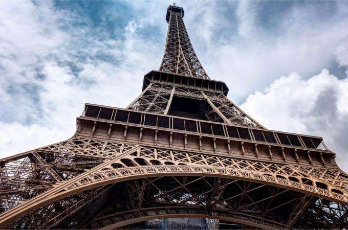 An unusual race to the top of the Eiffel Tower