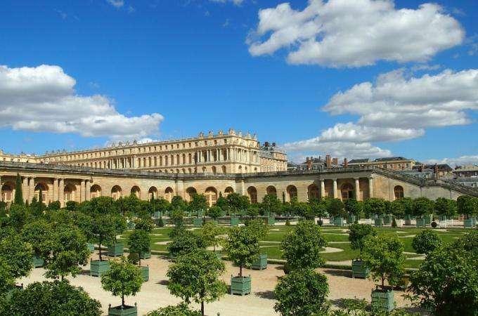 La féerie incomparable des grandes eaux nocturnes de Versailles