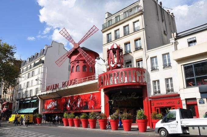 Montmartre, cabarets, plongez au cœur de la nuit parisienne